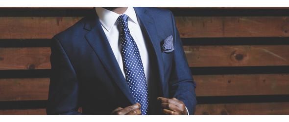 Krawatte mit Einstecktuch