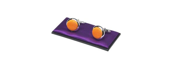 e2183946339149 Gratis oranje manchetknopen bij aankoop van een oranje stropdas en pochet
